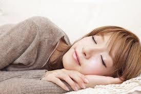 美肌でいるためには、寝かたにも注意すべし | 美容トピックス