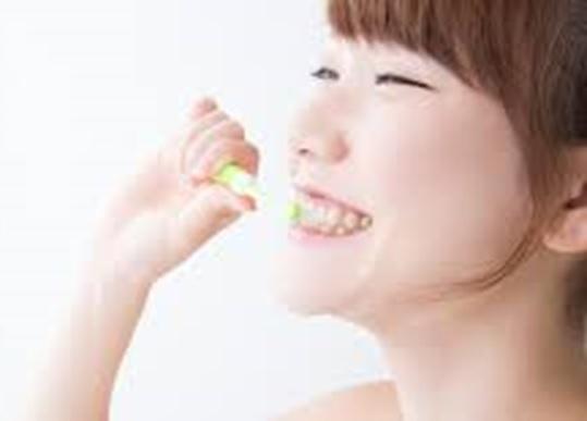 電動歯ブラシで歯をきれいに | 美容トピックス