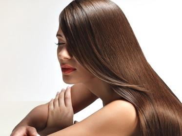 毎日髪をシャンプーするのはダメなの? | 美容トピックス