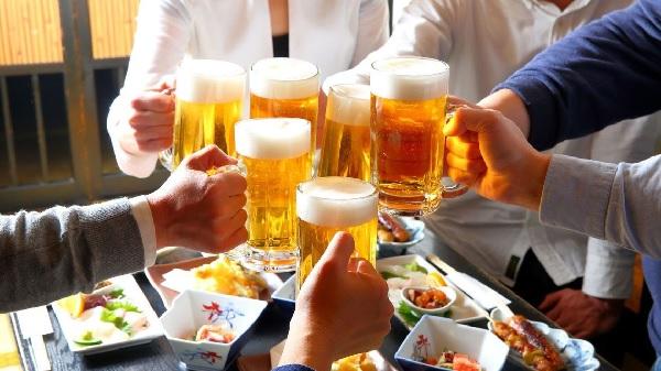 糖質制限を理由にお酒を飲まないと主張するのは間違い? | 健康トピックス